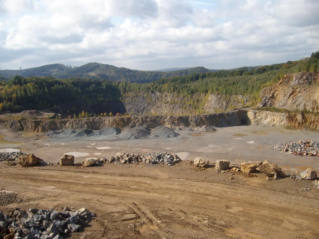 Uitzicht over de groeve van Hohenlimburger Kalkwerke