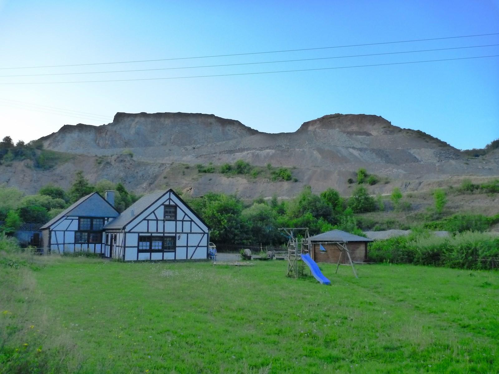 Blik op de bekende Juchem groeve in de omgeving van Idar-Oberstein
