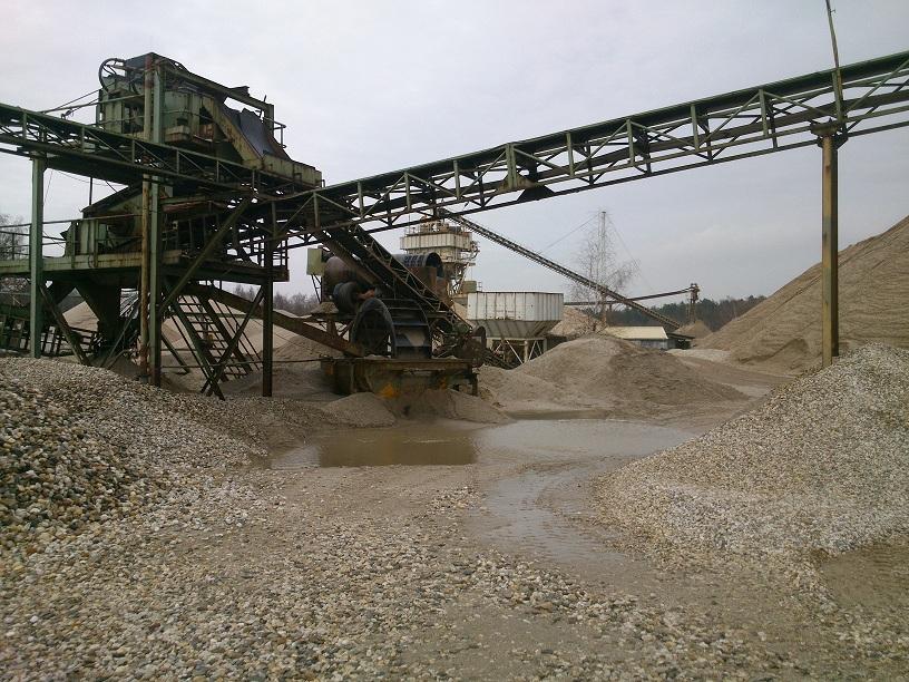 de productie-installatie van grindgroever Dorperheide te Arcen