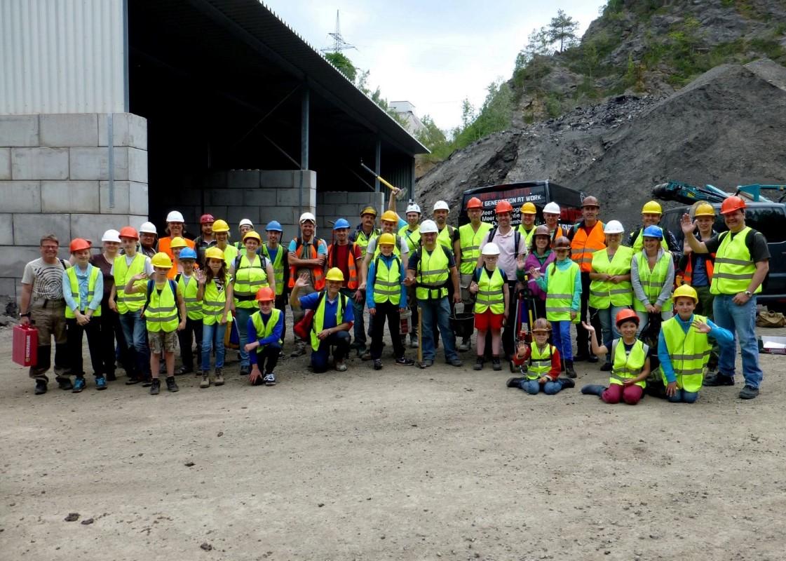 De groep bestaande uit 42 personen die in 2015 de Hagen Hohenlimburger Kalkwerke heeft bezocht
