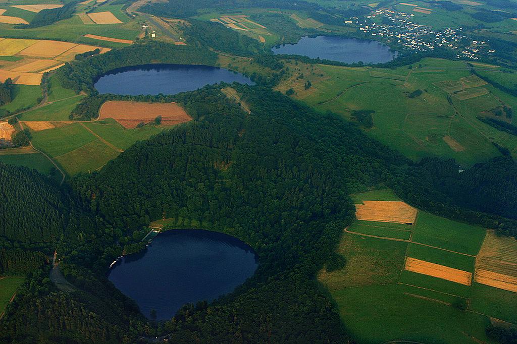 Luchtfoto op de 3 Dauner Maare