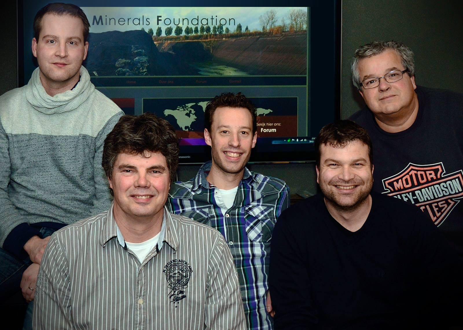 Vlnr: Daniël, Henrie, Kristian, Robert en Erwin