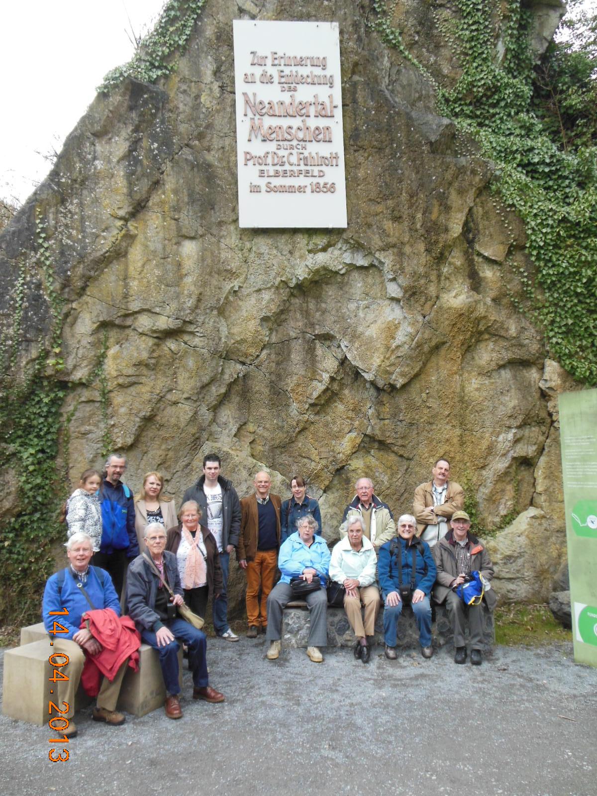 Geo Oss bij het Neanderthalmonument